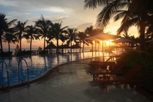beach-resort-1343878-639x425